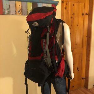 The North Face - Badlands Hiking Backpack